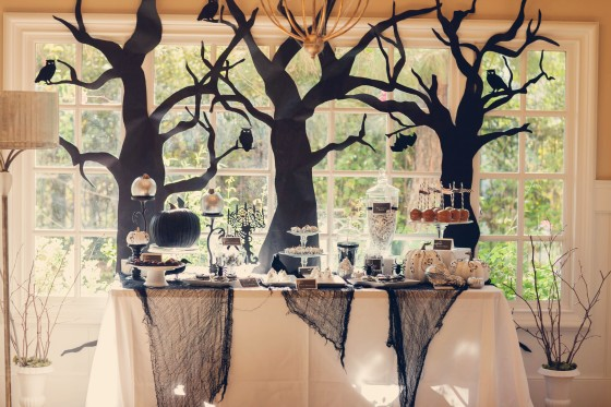 scary, trees, owls, bats, spiders, dessert table