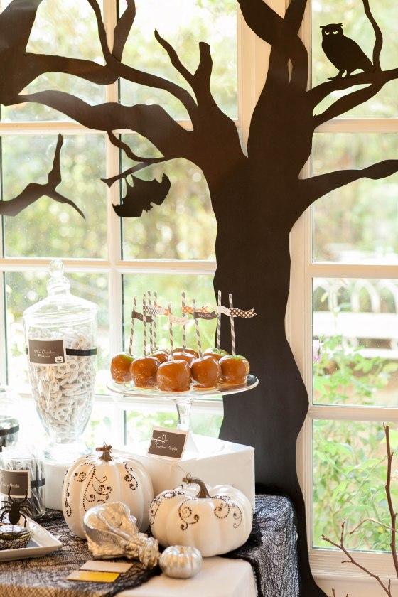 caramel apples, meringue ghosts, scary trees