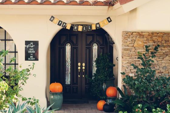 halloween signs, pumpkins